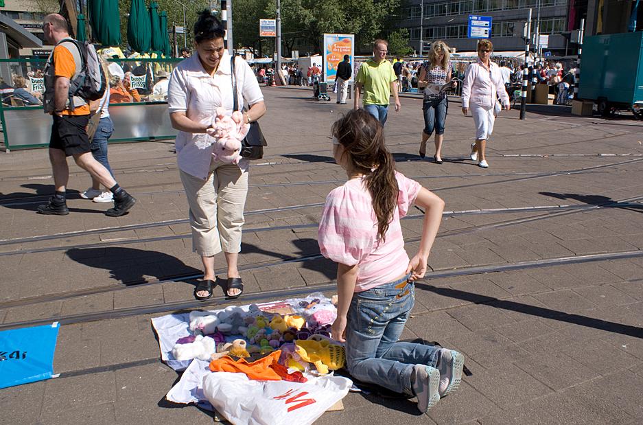 Stadstoezicht Rotterdam vrijmarkt - Documentaire fotografie Nadine Salas